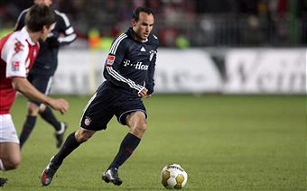Landon Donovan scores another solid performance with Bayern yesterday. (Getty Images)
