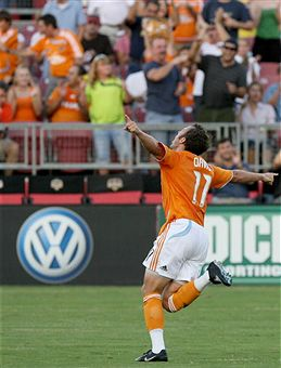 Brad Davis leads the league in assists and no one is talking about him. (Getty Images)