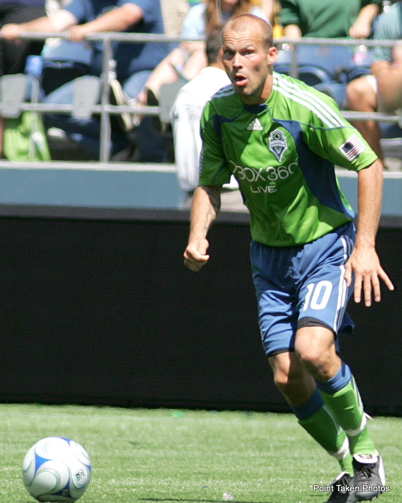 Freddie Ljungberg and Seattle are inching their way to the top. (Photo via Prost Amerika Soccer/Point Taken Photos)