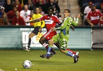Chicago's Patrick Nyarko and Seattle's Osvaldo Alonso battle again this weekend. (Getty Images)