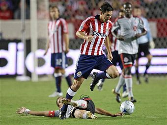 Sasha Kljestan leads Chivas USA tonight into Rio Tinto Stadium to face RSL. (Getty Images)