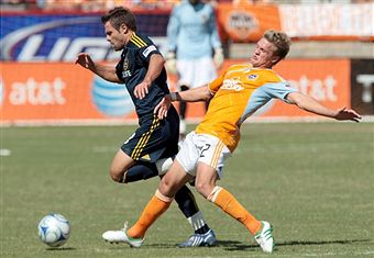 Stuart Holden and Sean Franklin set to battle things out this weekend. (Getty Images)