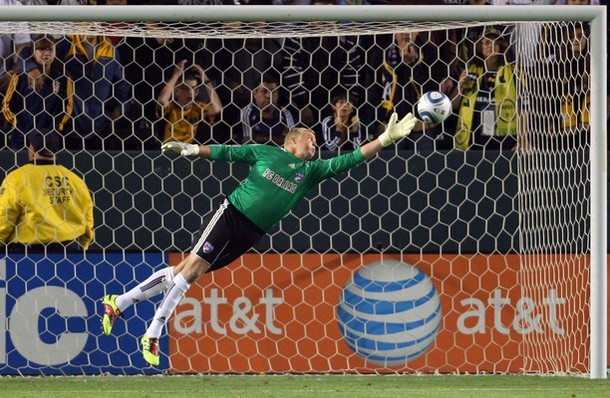 Kevin Hartman made many saves like this last season for FC Dallas. (Getty Images)