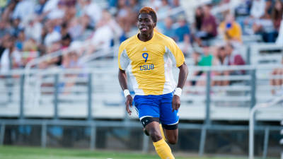 Gyasi Zardes has ties to LA but could go overseas instead.