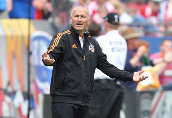 Boy Kinnear was not happy after the 3-2 loss to FC Dallas. (Matthew Emmons-USA TODAY Sports)