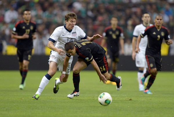 Matt Besler and the US defense were all over Mexico last night. (Kirby Lee-USA TODAY Sports)